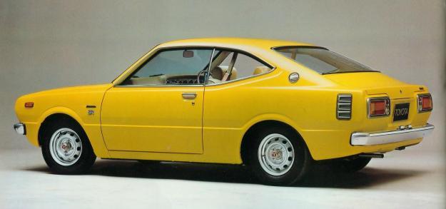 TOYOTA - Corolla E3 - 3ª Geração KE30, KE35 e KE36 - 1974-1979